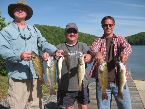 Tennessee and north carolina fishing charters to fontana for Nc fishing report